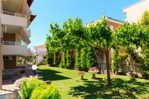 Michel Mar Studios Apartments Paradisos Neos Marmaras Halkidiki garden-014